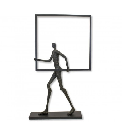 Sculpture homme figure humaine avec boîte