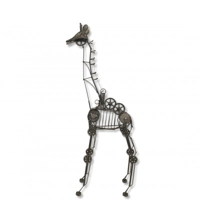Giraffe metal sculpture