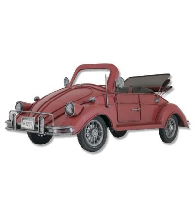 Volkswagen Beetle rojo en metal
