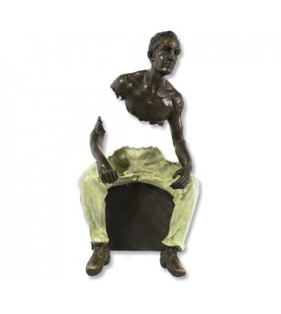 Scultura Bruno Catalano uomo seduto