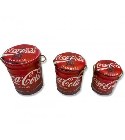 Stellen Sie 3 Coca-Cola-Hocker ein