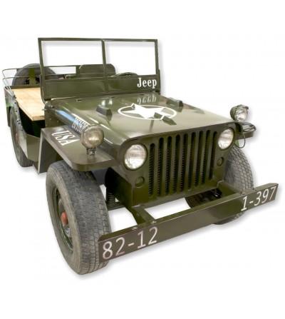 Lebensgroße Jeep-Theke
