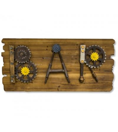 Tischdekoration aus Holz und Metall