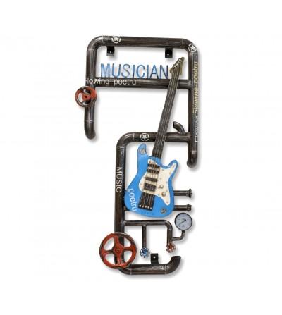 Guitarra metálica con tuberías y llaves