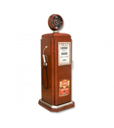 Mueble surtidor de gasolina con reloj